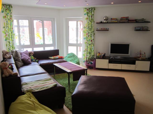 Lummerland wohnzimmer 2 for Zimmer jugendlich