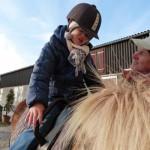 Emily auf dem Pferd